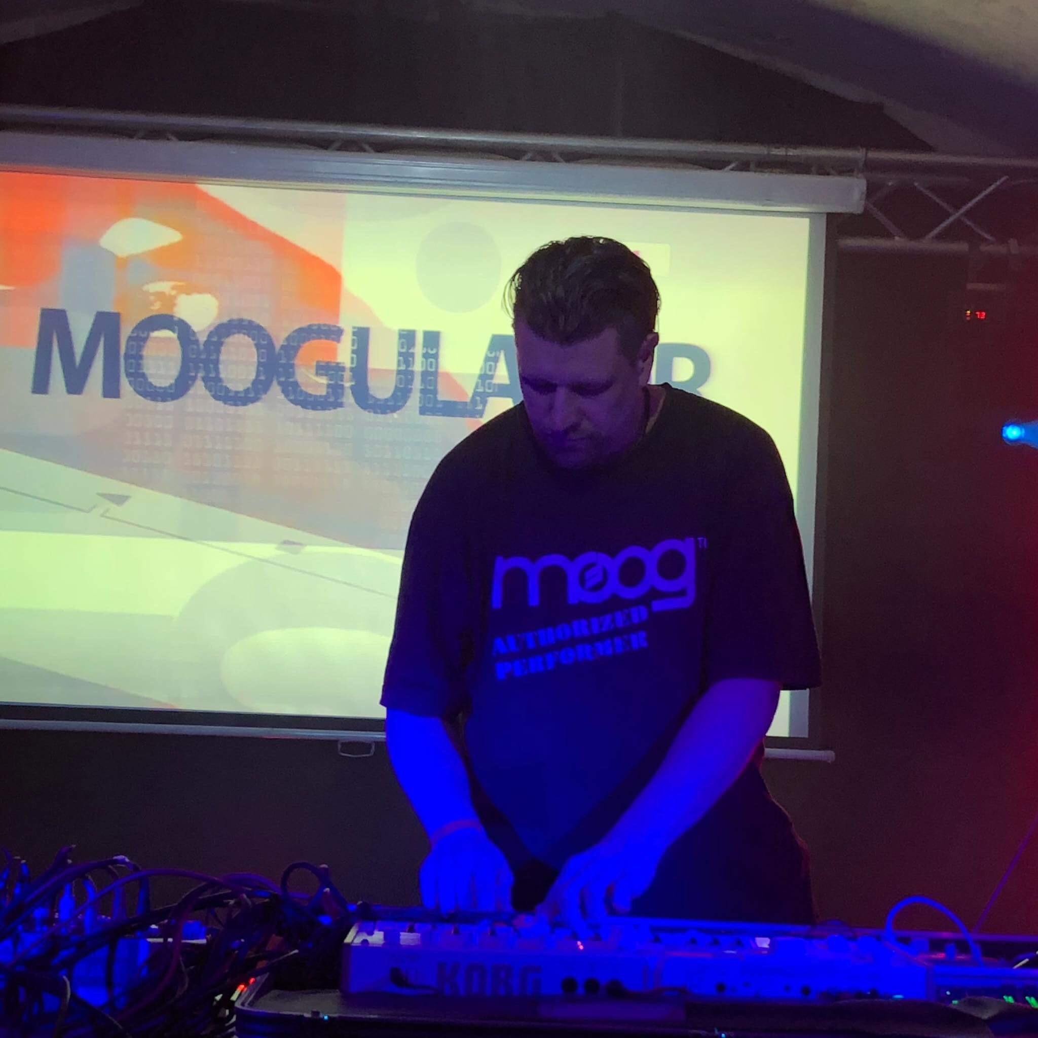 moogulator Elektroanschlag2018